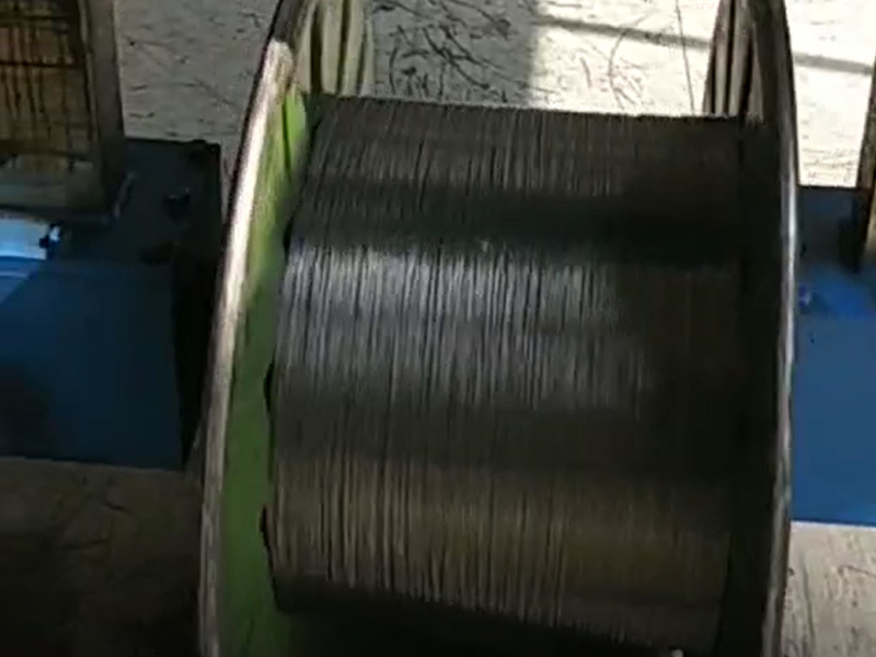 Outdoor optical cable layer strand production